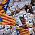 Secesionistas catalanes se preparan ante medidas de Madrid.