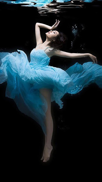Dancing Girl HD Wallpapers For iPhone 7 Free Download