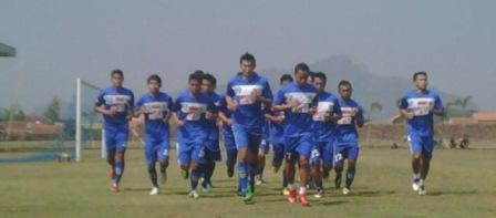 Cara mengoptimalkan stamina pemain sepak bola dan futsal sampai akhir pertandingan