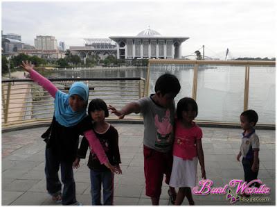 Seronok Semuanya Pusing Putrajaya Dengan Sepupu. Tempat Menarik Di Putrajaya, Pusat Penghayatan Alam Wetland. Tempat Best Di Putrajaya, Belon Panas Gergasi Dan Menara Pensil.