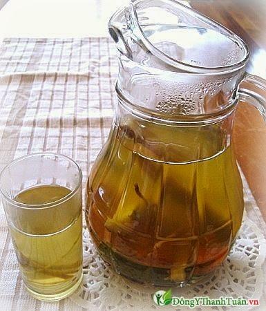 Nước nấu từ rễ cỏ tranh là bài thuốc nam chữa bệnh nóng gan
