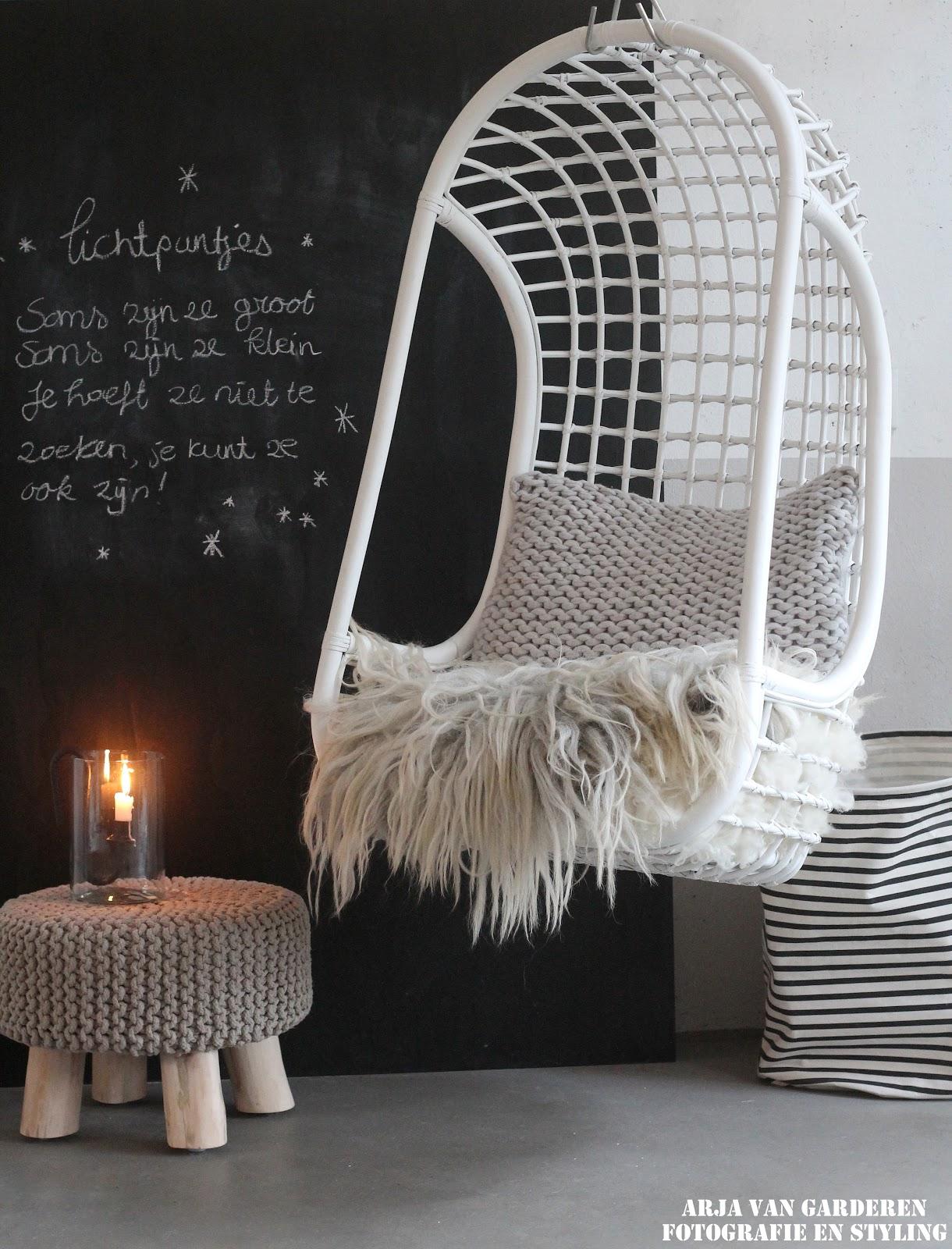 Hangstoel Rotan Wit.Zwartwitenhout Nl Onze Nieuwe Hkliving Hangstoel Leuk Budget