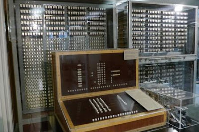 makalah komputer generasi pertama  komputer generasi keempat  ciri ciri komputer generasi pertama