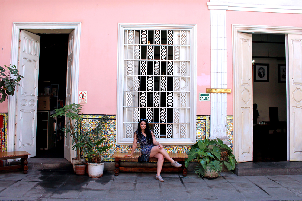 Blogger Emma Louise Layla in Lima, Peru - travel & lifestyle blog
