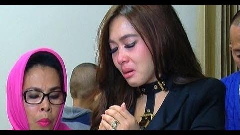 Ogah Akui Luna Maya Sebagai Teman, Orang Ini Tampar Balik Syahrini dengan Lebih Sadis!