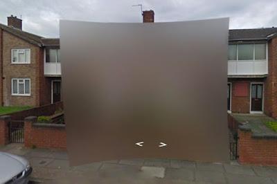 Dua Rumah Ini Disamarkan di Google Street View, Kenapa?