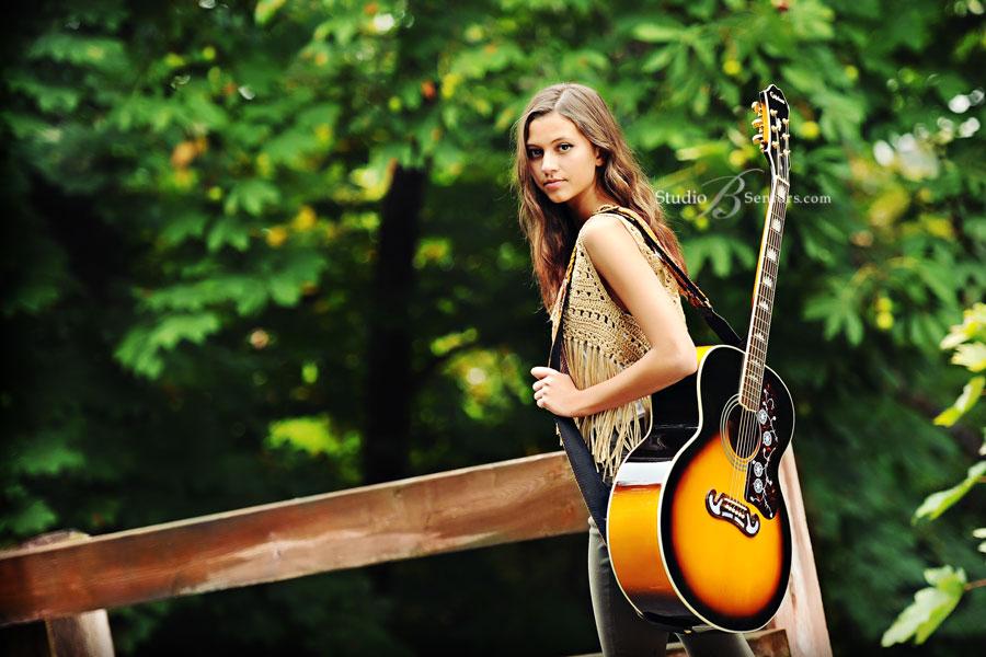 Ở Tphcm mua đàn guitar yamaha giá rẻ