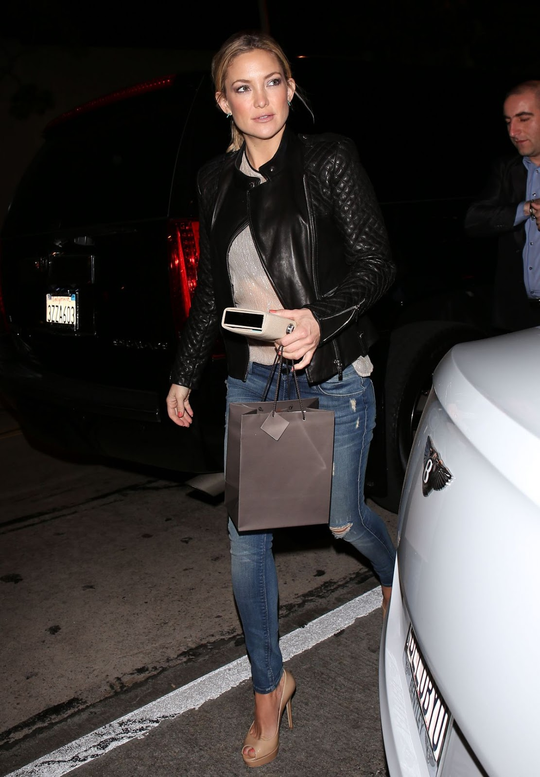HD Photos of Kate Hudson Arrives At Craig S Restaurant In Los Angeles