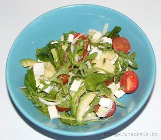Salata de avocado cu rucola retete culinare,