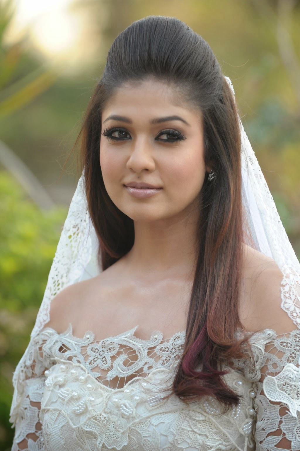 Raja Rani Wallpapers With Quotes Nayanthara Glamorous Photos From Raja Rani Hd Latest