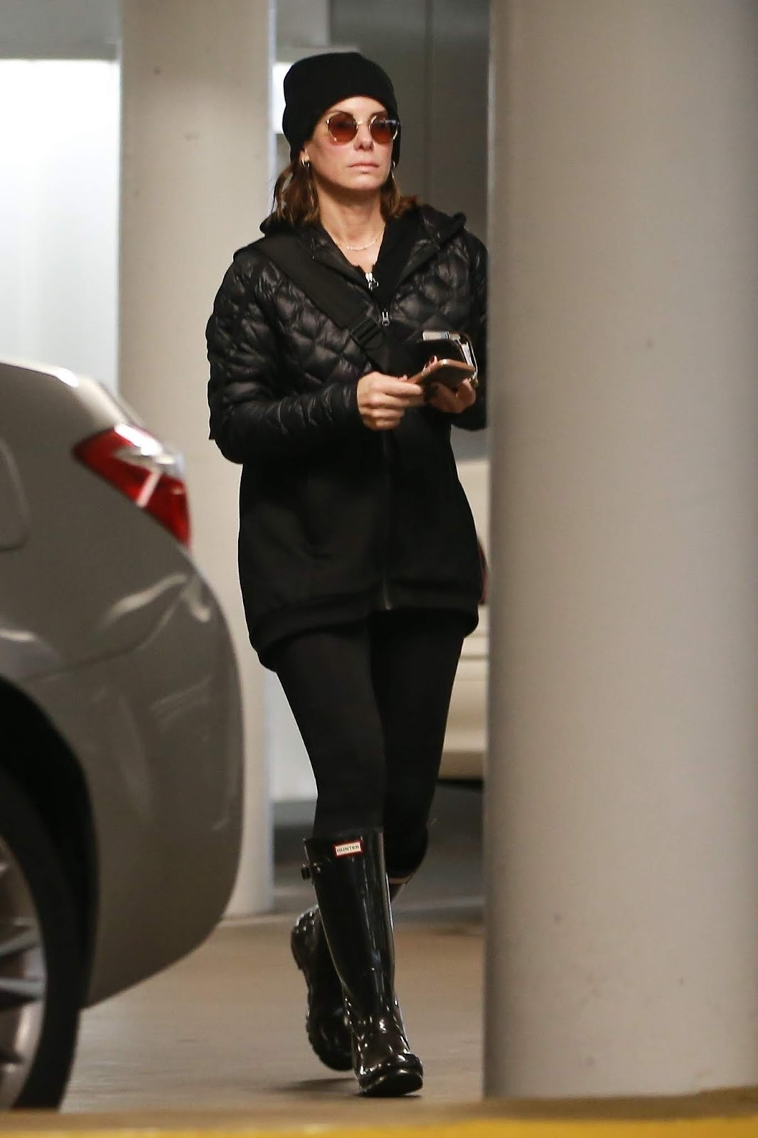 Sandra Bullock heads to a rainy day meeting in Los Angeles - 01/15/2019.