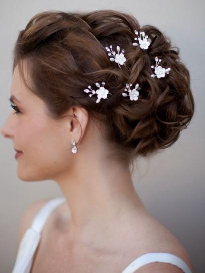 Diez peinados para bodas fáciles paso a paso La Nueva España  - Peinados De Moños Para Bodas