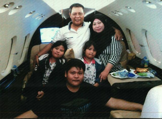 Paman Birin Bersama Keluarga