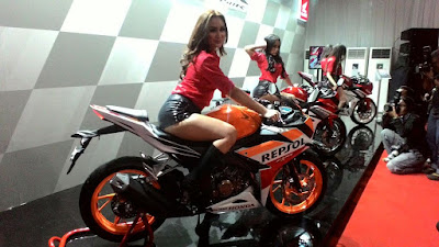 2016 Honda CBR150R Facelift with model image