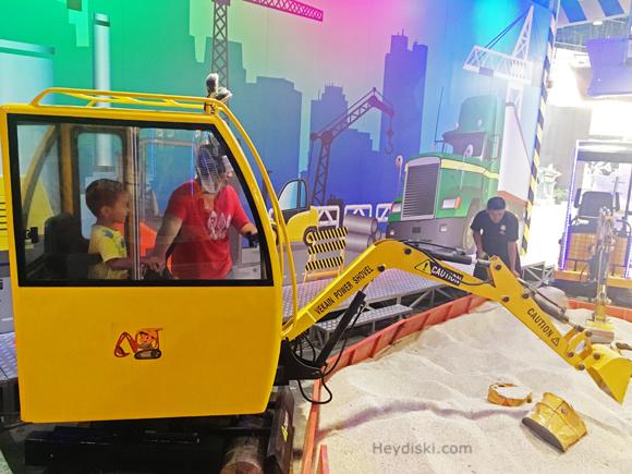 excavator-kaca