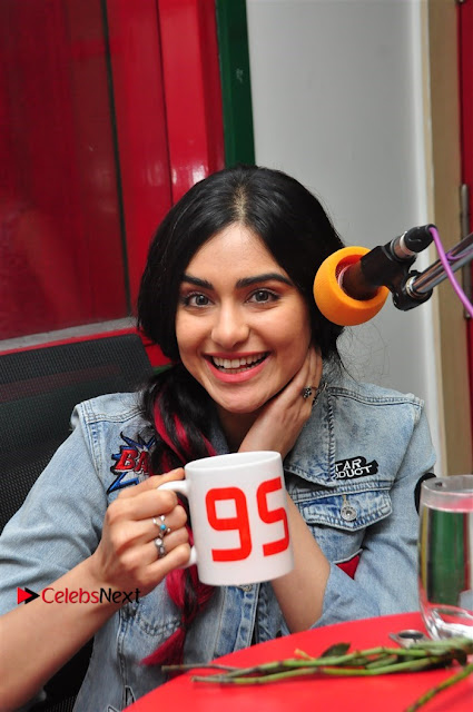 Vidyut Jamwal Adah Sharma Commando 2 Movie Team at Radio Mirchi 95  0001.jpg