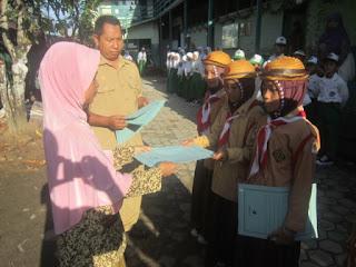 Upacara Penyerahan Piagam Penghargaan Juara 1 Lomba Wide Game MILAD MTs Muhammadiyah 5 Banjarmasin