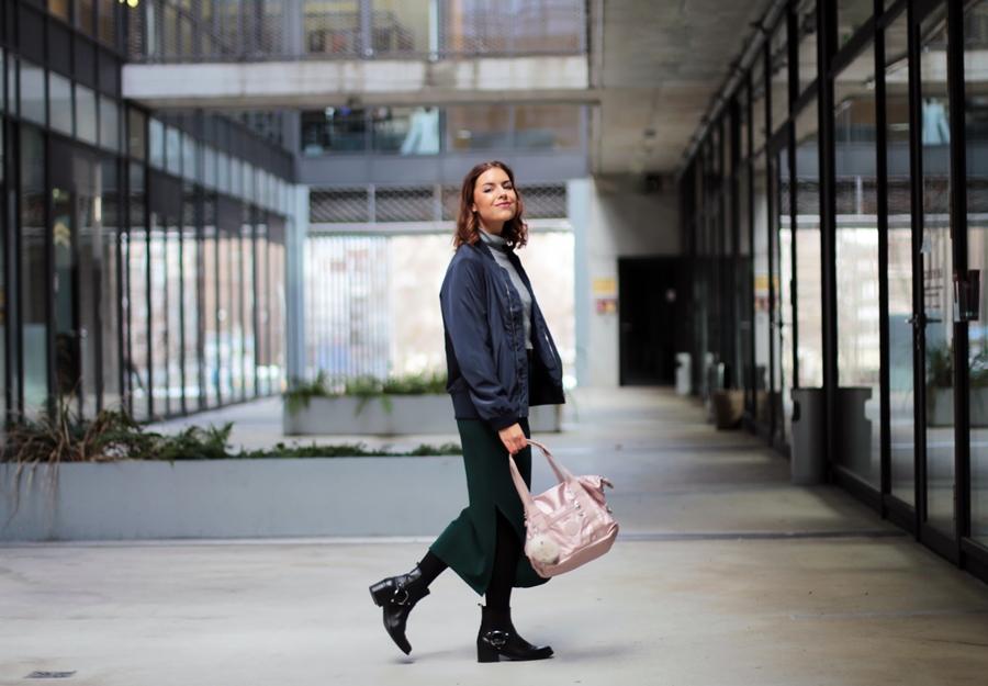 outfitpost pink kipling bag