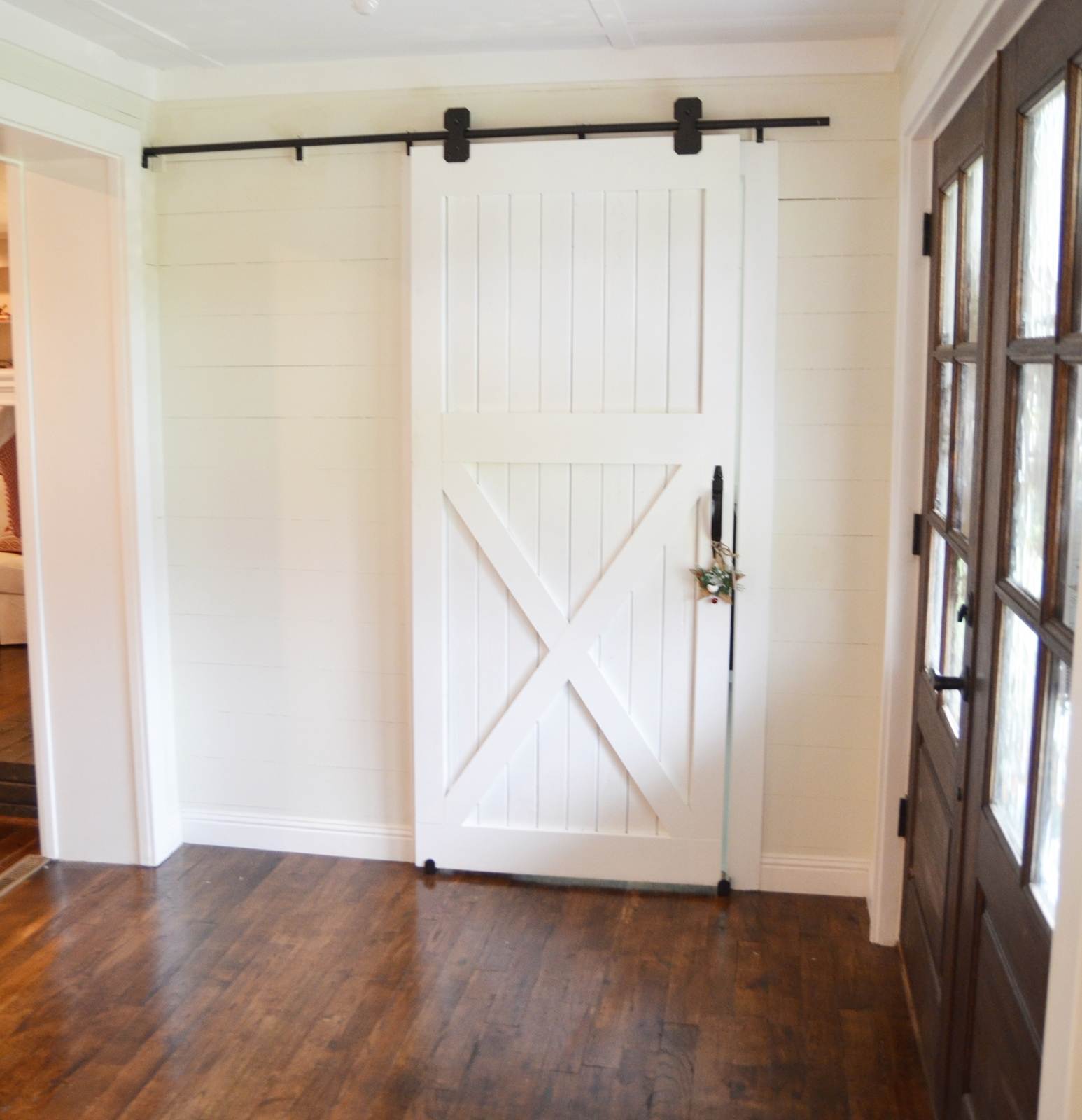 Diy barn door designs and tutorials from thrifty decor chick for Interior door construction