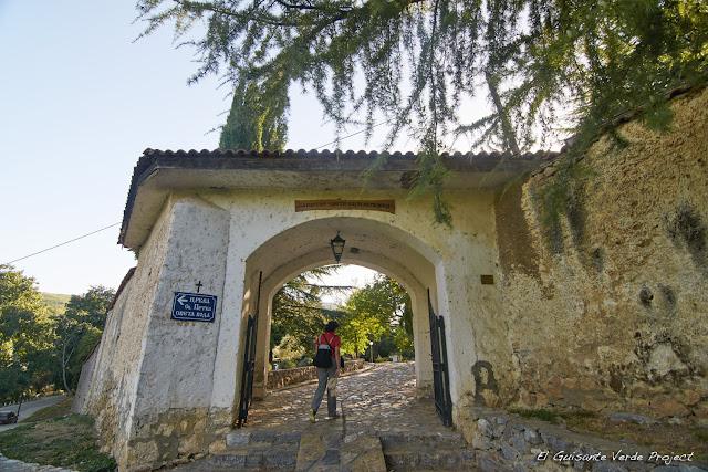 Recinto Amurallado de Sveti Naum - Macedonia por El Guisante Verde Project