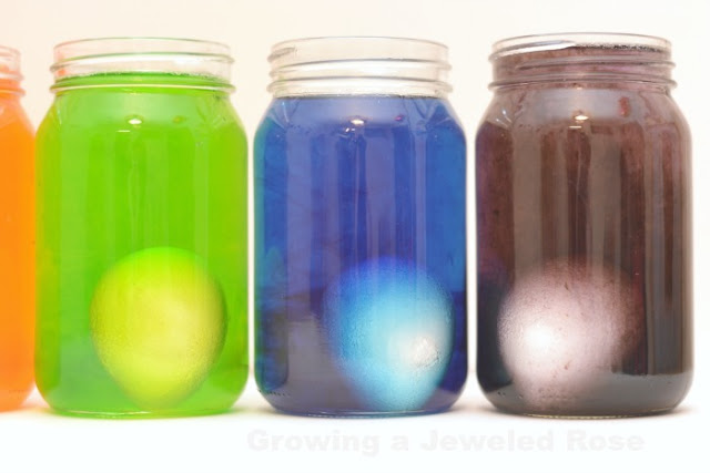 RAINBOW EGG EXPERIMENT FOR KIDS (Awesome science!)  #rainbowexperimentsforkids #rainbowexperiment #rainboweggs #eggexperimentsforkids #eggexperiments #eggexperimentsforkidsvinegar #scienceexperimentskids #scienceforkids  #kidsscienceexperiments #craftsforkids #experimentsforkids #preschoolactivities