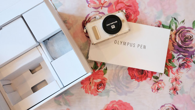 Olympus E-PL8 Unboxing Photo Blogger Uk Lifestyle
