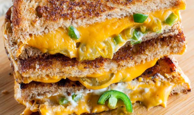 VEGAN GRILLED CHEESE SANDWICHES #vegan #sandwich #breakfast #cheese #food