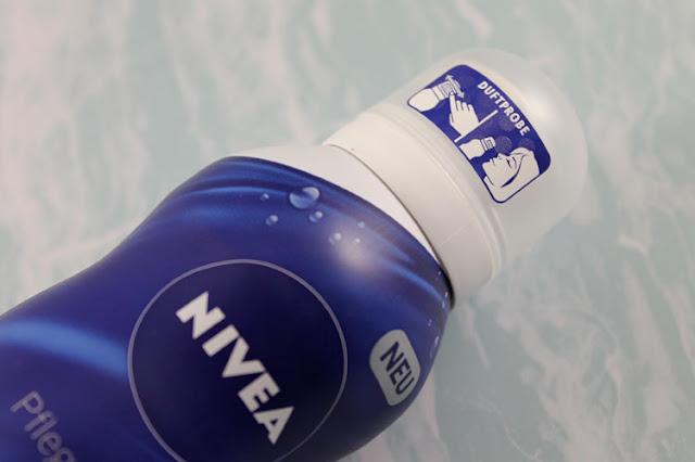 Die Duftprobe am Deckel der Nivea Seiden-Mousse Pflegedusche