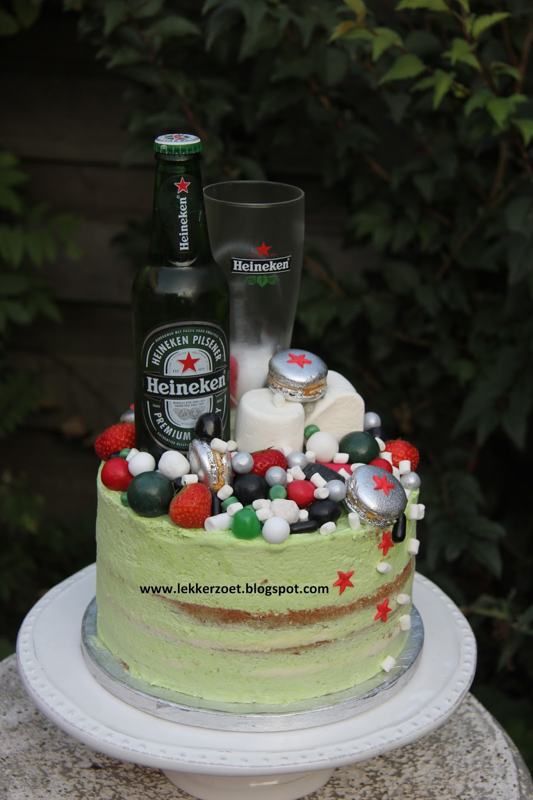 taart heineken lekker zoet: Heineken taart voor Rody geslaagd voor hbo taart heineken