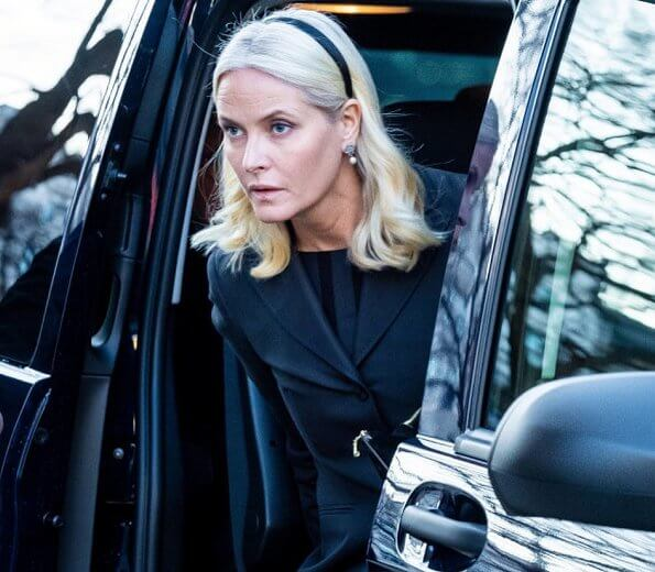 Crown Princess Mette-Marit, Princess Ingrid Alexandra, Princess Laurentien. Victoria. Princess Estelle had an accident at Italian Alps