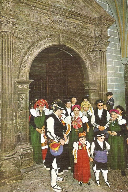 Traje tradicional aragonés ansotano