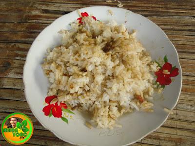 Sepiring nasi sejuta keringat. Nasi putih, kuah katel ... Hehehe