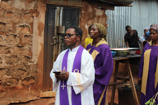 The Parish Priest Fr. John Patrick Onoja During The Passion Of Christ (Passion Play) ____Photo/Video Speak: Saint Anthony Parish Otukpo Passion Of Christ (Passion Play) 2017___