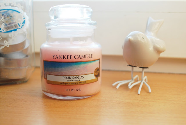 Mała świeca Yankee Candle PINK SANDS