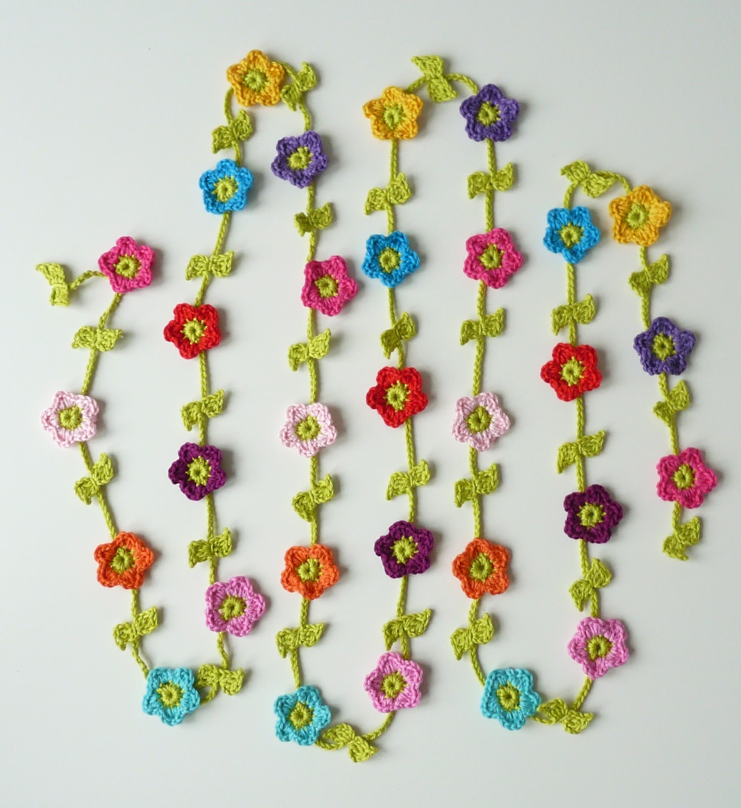 Flower Garland: TeenyWeenyDesign: New Things