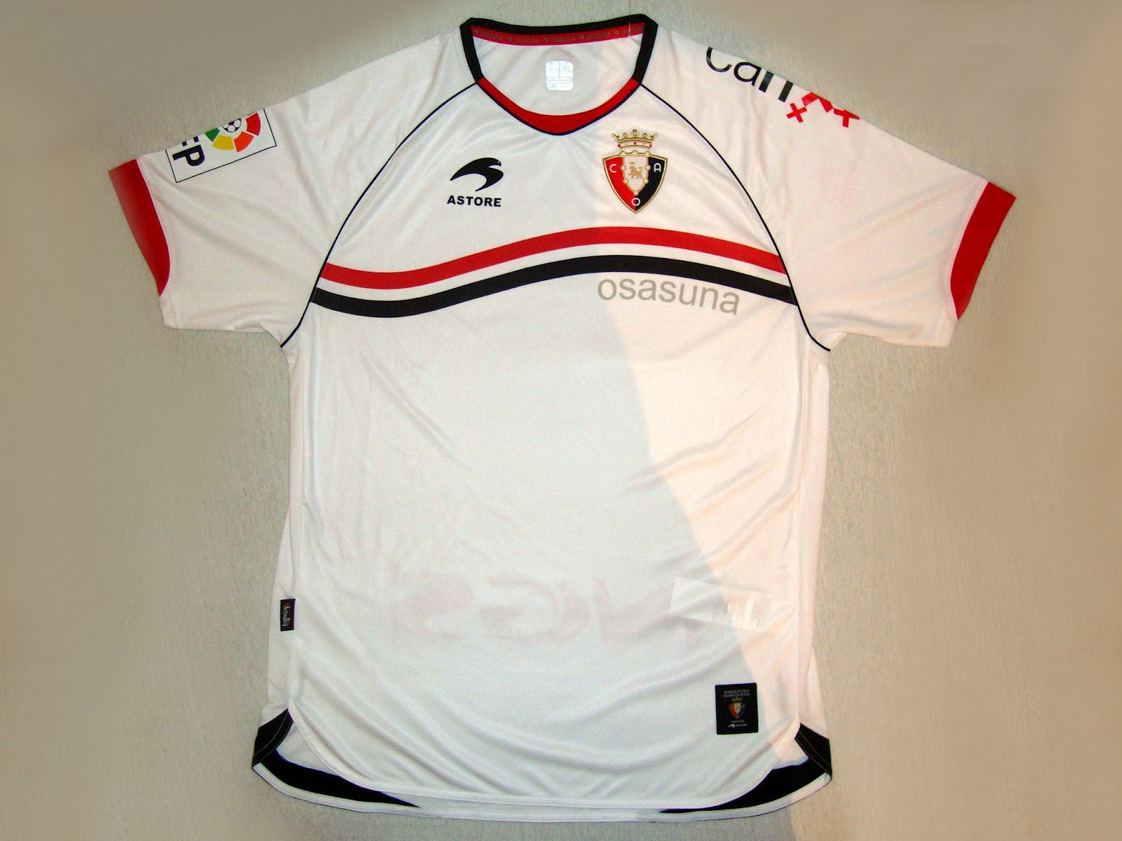 78722528ef Esta camisa do Club Atlético Osasuna foi adquirida na loja virtual Fut  Fanatics. Conheça mais sobre a loja e os outros uniformes que estão a venda.