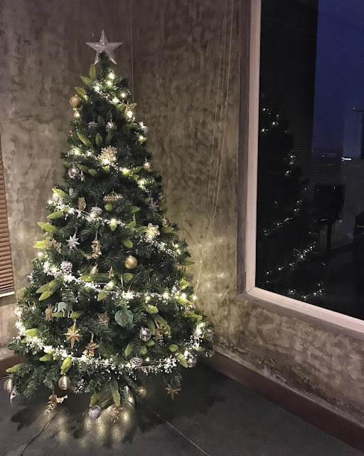 samantha Naga Chaitanya Christmas Tree photo
