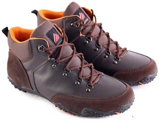 Sepatu Boots Pria Model Touring  L 153