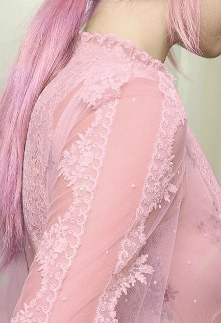 The love of lace, the delicate, the feminine. pink lace. {Cool Chic Style Fashion}