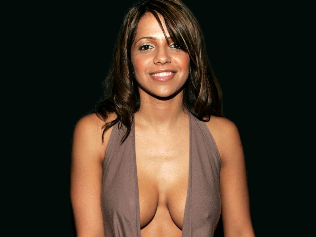 Celebrity Vita Guerra Free Nude Pics Photos