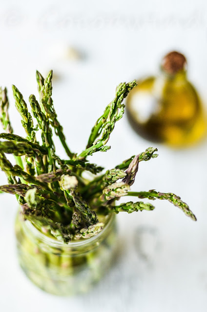 Pan roasted garlicky Asparagus