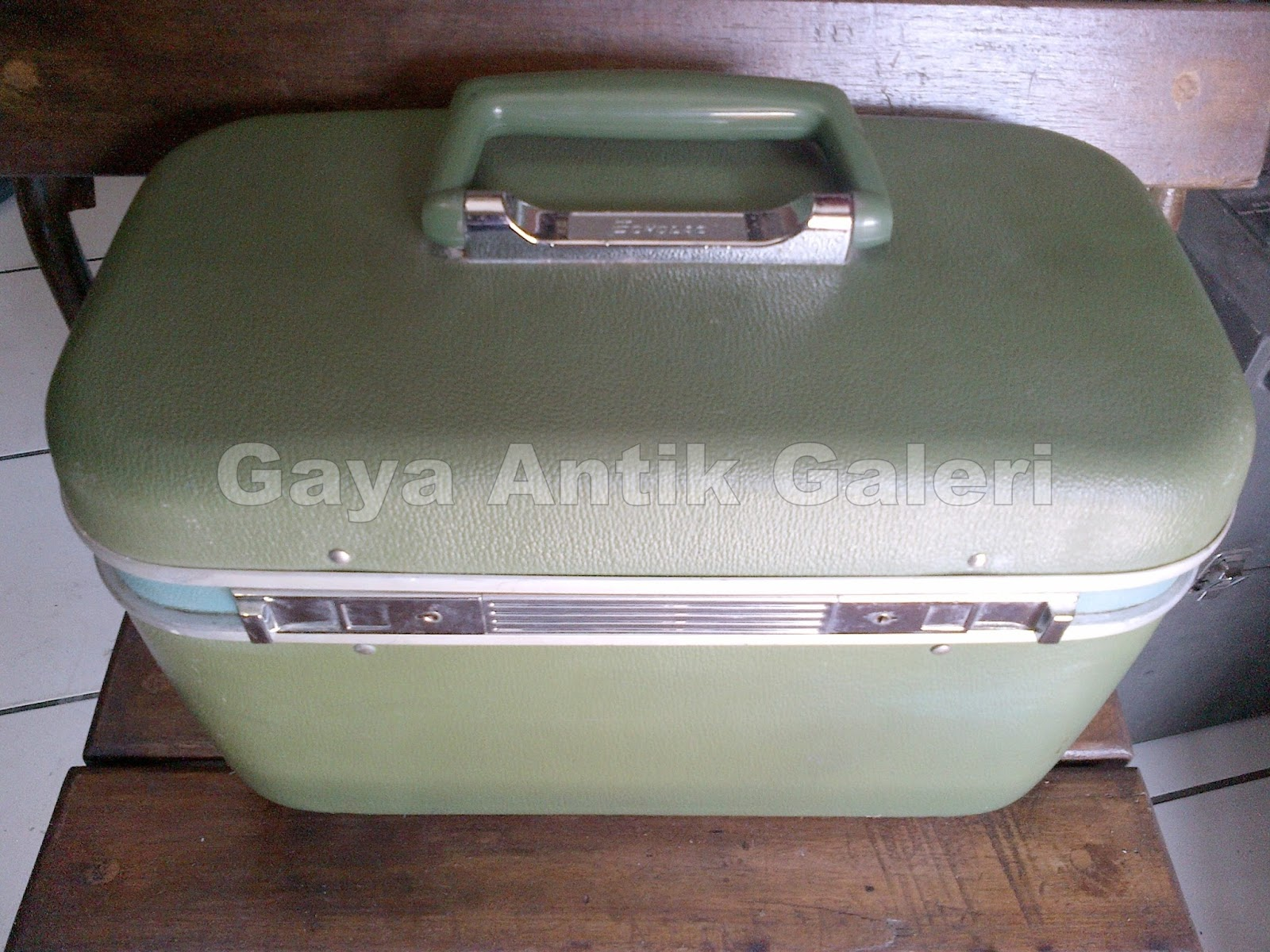 Gaya Antik Galeri Gaya Antique Gallery Beauty Case