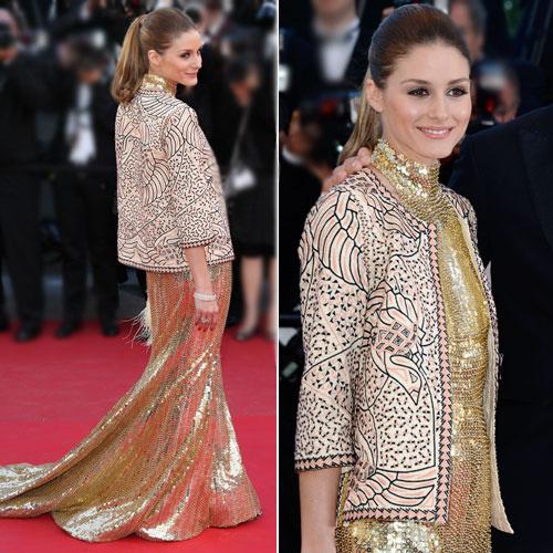 5b8f2d214 Olivia escolheu um vestido Roberto Cavalli: o escolhido desta vez foi um  com modelo de paetês dourados com cauda e gola alta. O toque fashionista do  look ...