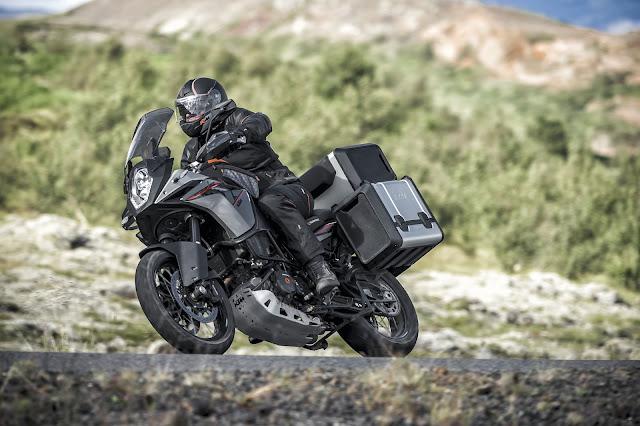 2015 KTM 1190 Adventure 01