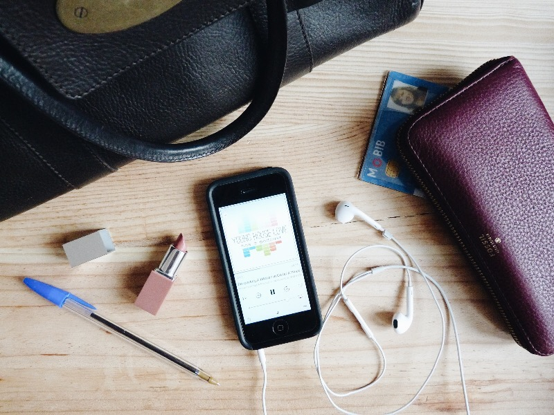mulberry bayswater handbag, clinique nude pop lipstick, iphone 5, Young House Love has a podcast, apple earphones, fossil purse, blue ink ball pen