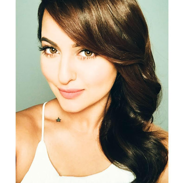 Sonakshi sinha,age, upcoming movies,bf,biography,weight,mother,bikini,boyfriend,fat,family,father,saree,twitter,kiss
