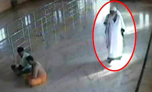 Πέντε στιγμιότυπα με αγγέλους που πιάστηκαν να πετούν
