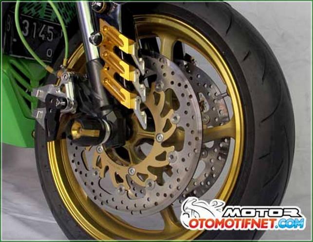 Shockbecker Upside Down Dari NUI Dobel Cakram - Cara Melakukan Modifikasi Kawasaki Ninja RR Mono Gaya Moge Sport Yang Simpel Tanpa Menunggu Lama