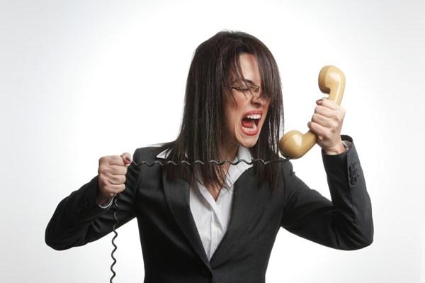 tips cara mengatasi menangani keluhan komplain customer pelanggan pembeli bekomunikasi efektif sukses berhasil strategi loyalitas mempertahankan sales marketing pemasaran penjualan