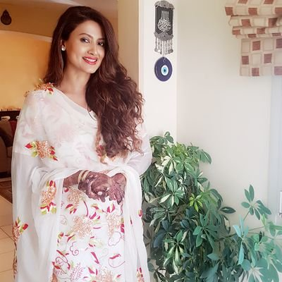 Nigaar khan wedding, husband, age, marriage, hot, wedding pics, twitter, wiki, biography